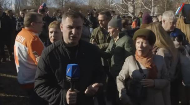 «Сломайте мне челюсть, сломайте»: православный журналист напросился на хук у защитников сквера в Екатеринбурге