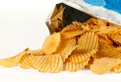 This is How Many Cancer-Causing Chemicals You're Eating When You Pop a Chip in Your Mouth