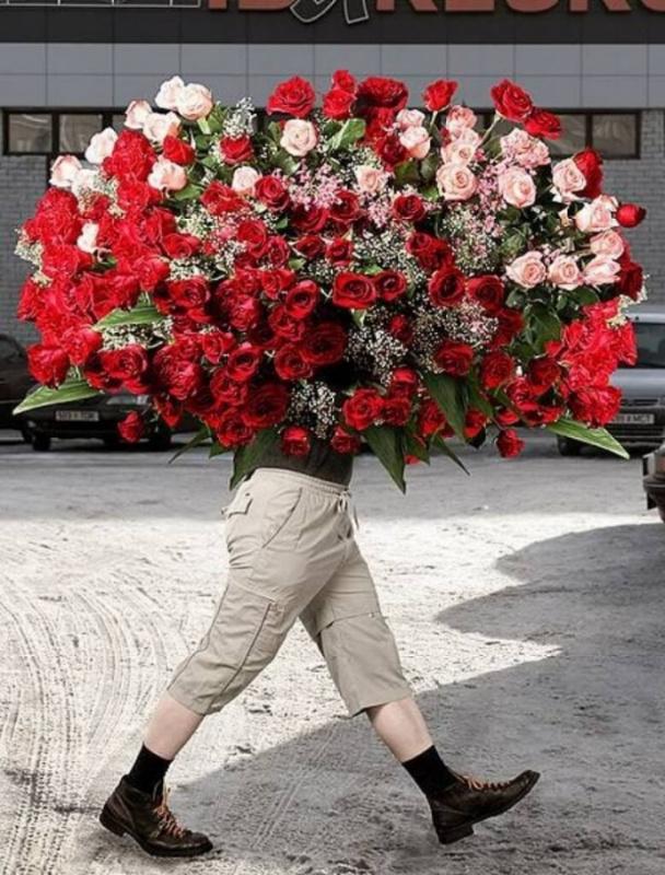 Шикарными, смешные картинки парень дарит цветы