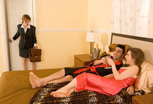 Муж застукал жену с любовником русское, порно фото грязная вагина
