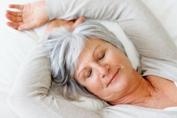 Видеть во сне свою бабушку плохой знак, предупредить который может только чей-то дельный совет.