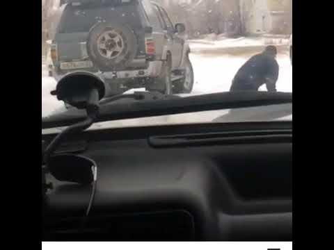 На Алтае люди в полицейской …