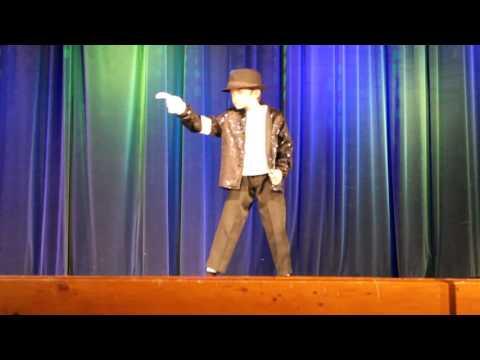 9-летний парень классно танц…