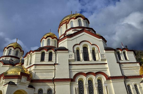 Новоафонский монастырь в нескольких снимках (6 снимков).