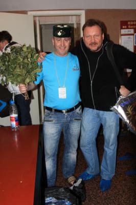 Фото делает героев..)))