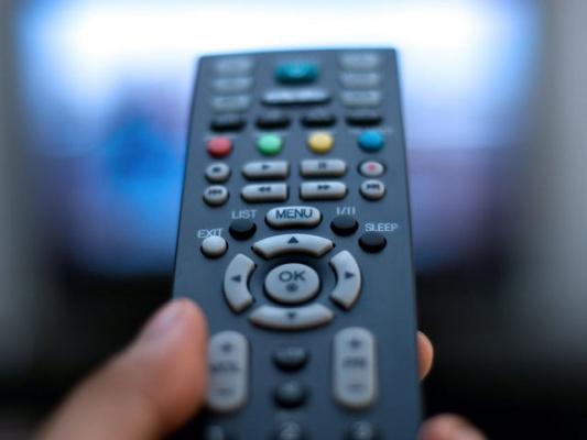 Вклинивание рекламных роликов в фильмы и телепередачи планируется запретить с 19 до 23 часов в будние дни и с 11 до 23 часов - в выходные и праздничные дни.