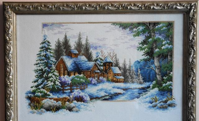 Домик зимой