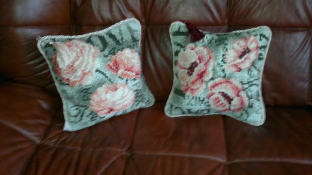 2 подушки диванные