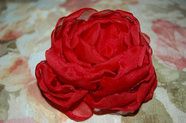 Цветы из материала