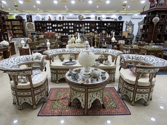 Какой страны эта мебель?