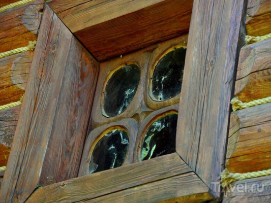 Что в старину вставляли вместо стекол в оконные рамы?