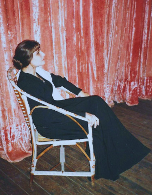 Актриса Юлия Сак в роли гениальной поэтессы Анны Ахматовой.