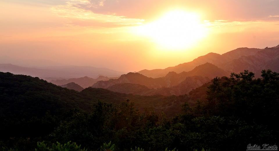 Закат в горах над Мцхетой
