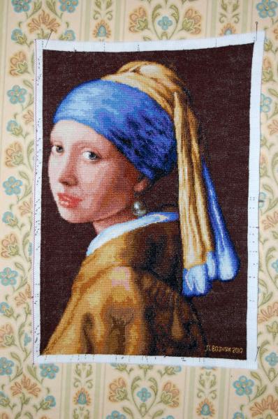 Вышивка девушки с жемчужной сережкой 548