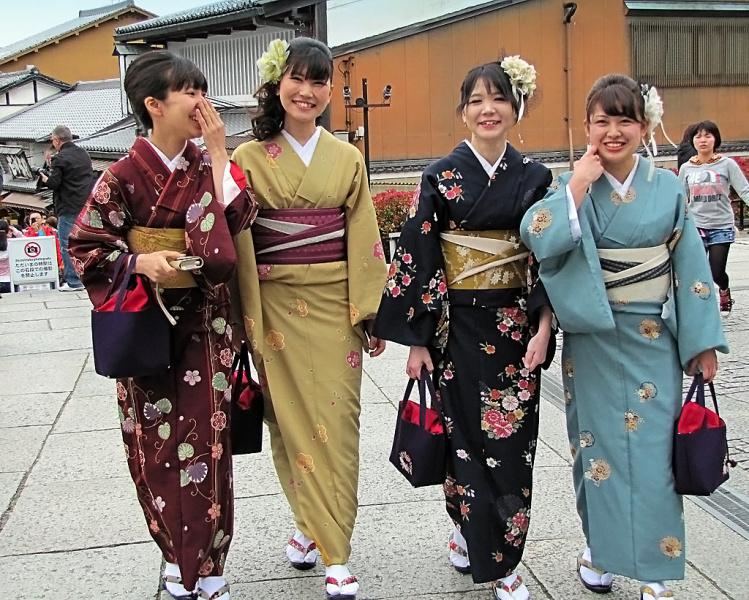 Майко - будущие гейши