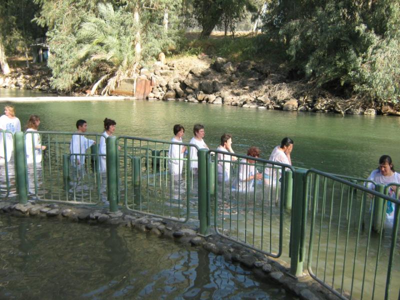Валери Элит в Израиле купание в Иордане