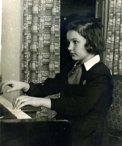 1965 г. Лебедева Лена